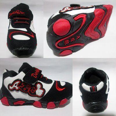 Sepatu Kets Anak ABC4 in stock Bahan:Bagian luar leather, bagian dalam kain lembut dan bagian bawah karet sehingga tidak licin saat dipakai jalan. Rp. 95,000.00