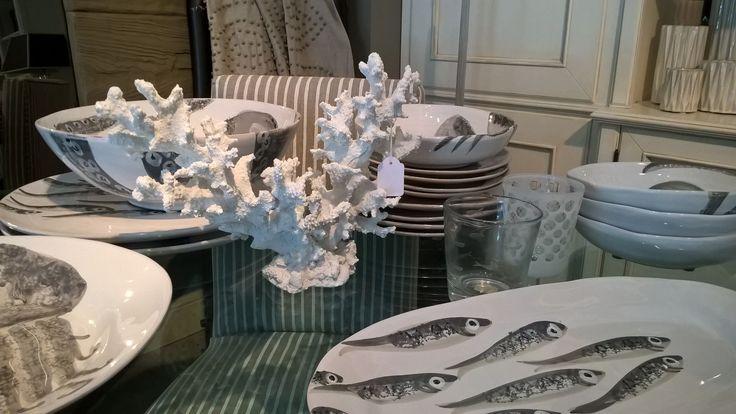 #interiordesigner #design #valterpisati #ceramichevirginia #pesci #fishs #piatti #ceramiche #ceramicaitaliana #negoziarredamento