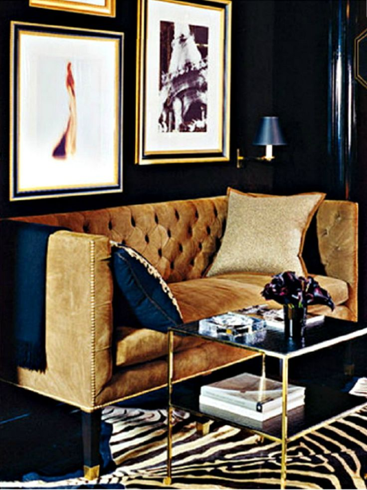 10 Reasons Why You Need A Tuxedo Sofa In Your Life | Modern Sofas. Velvet Sofas. Living Room Ideas. #modernsofas #tuxedosofa #velvetsofa Read more: http://modernsofas.eu/2016/09/30/reasons-need-tuxedo-sofa-life/