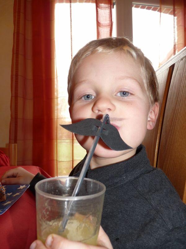 paille moustache anniversaire