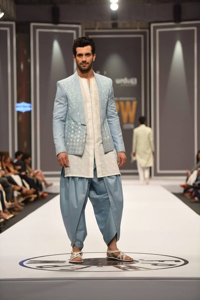 """Rindana"" Latest Collection By Deepak & Fahad At FPW Winter 2016 Day-3 