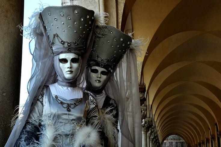Una visita rápida al Carnaval Veneciano gracias a unas imágenes muy artísticas. Fuente Fuente