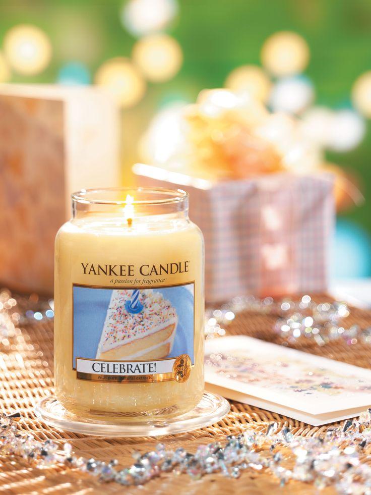 Det finns mycket att fira under försommaren. Vad passar bättre än ett Celebrate ljus från Yankee Candle? Många av livets viktigaste ögonblick vi har tillsammans med nära och kära firas med krämig, glaserad tårta. #YankeeCandle #Celebrate