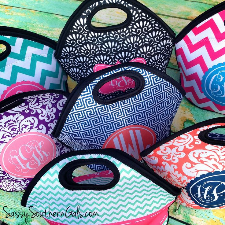Monogrammed lunch tote! Be the envy of your coworkers with this adorable lunch bag! www.SassySouthernGals.com