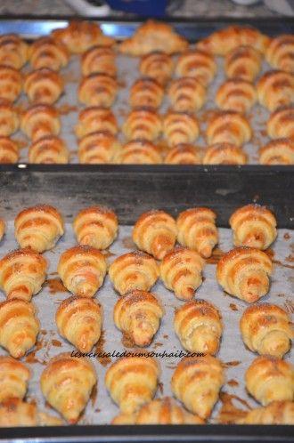 Croissants feuilletés au saumon fumé,fromage frais et pavot