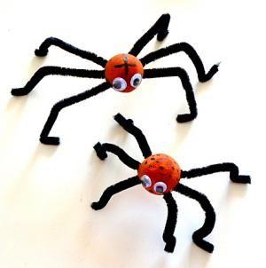 Spinnen aus Styroporkugeln - Halloween-basteln - Meine Enkel und ich