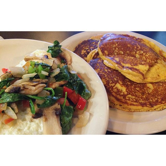 Best. Pancakes. I've. Ever. Eaten. These pumpkin pancakes from @cafe_brazil_dfw were amazing. 😍😍 Egg whites and veggies on the side for #micros. 💁🏻 IHOP also has pumpkin pancakes, and they have macronutrients published. I tracked four pumpkin pancakes, because these were a little bit larger than normal (there's 3 here). I did bring my own syrup to save calories, and I asked for no toppings on the pancakes. MACROS (for pancakes): 106c/15f/17p Don't be afraid of foods without nutrition…