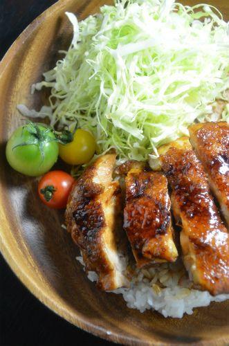 ストウブブレイザーで「照り焼きチキン丼」 by ジュンジュンさん ...