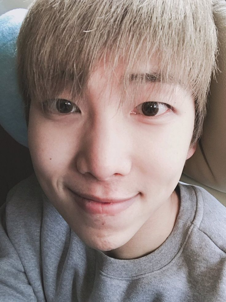 Rap Monster ❤ [BTS Tweet] 2016's end with BTS  (OMG and BTS got 4 million followers on Twitter on new years eve! CONGRATULATIONS! Handsome Namjoonie as always ) #BTS #방탄소년단