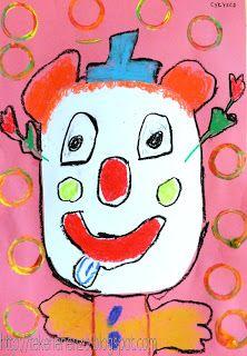 gekleurd papier 23 bij 32 cm wit tekenpapier op A5 formaat schaar lijm oliepastels plakkaatverf wc rolletje Geef alle leerlingen een gekleurd vel papier en een half A-viertje. Laat de leerlingen de hoeken van dit witte vel afknippen, zodat er een gezichtsvorm ontstaat. Plak dit witte vel in het midden van het gekleurde vel. Teken met oliepastel een clown, waarbij het gezicht wit blijft. Denk aan ogen, mond, neus, hoedje, haren, strik. omlijn alles met zwart oliepastel.