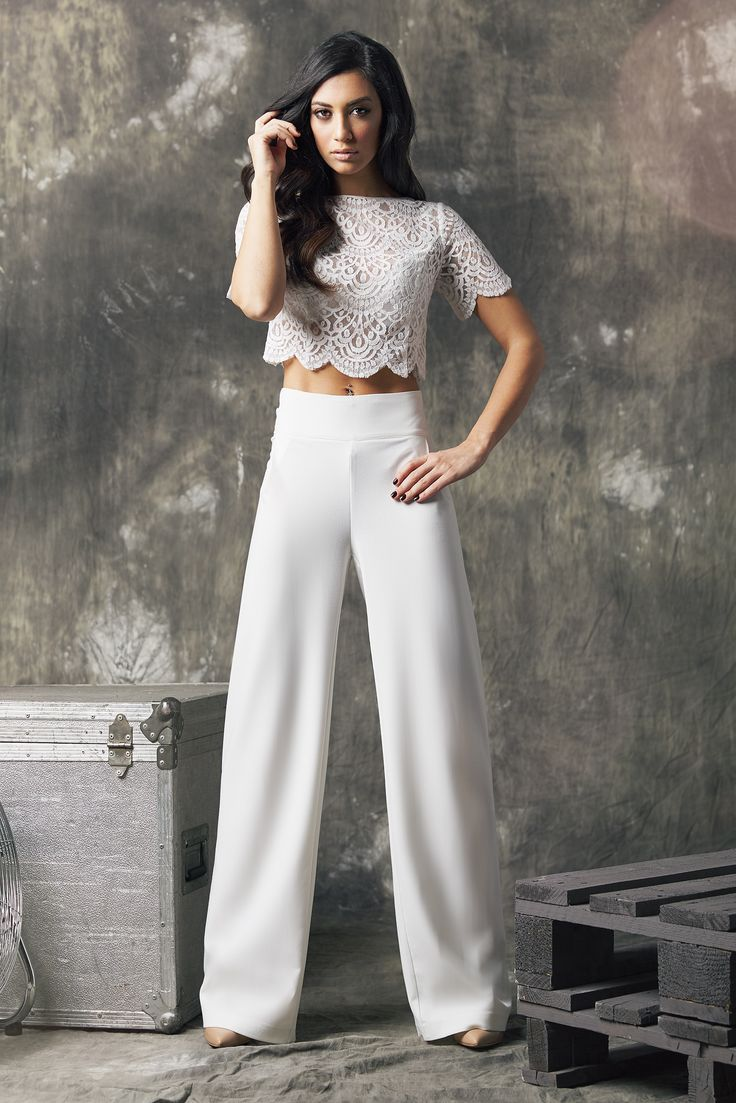 Wide leg trouserd with lace crop top