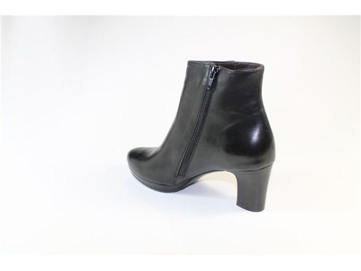 Calpierre DT123 Nero | Tronchetto | Donna | Cometa Outlet | Calzature e Accessori Uomo Donna Bambino Bambina | Alta Moda | Scarpe Online | Abbigliamento Online
