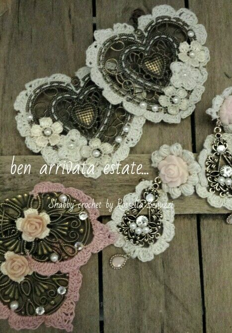 crochet hearts and roses