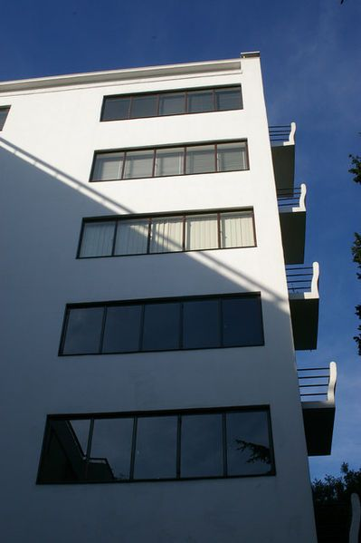 Highpoint 1, Highgate in London, Berthold Lubetkin (arch), Ove Arup (engineering), 1935