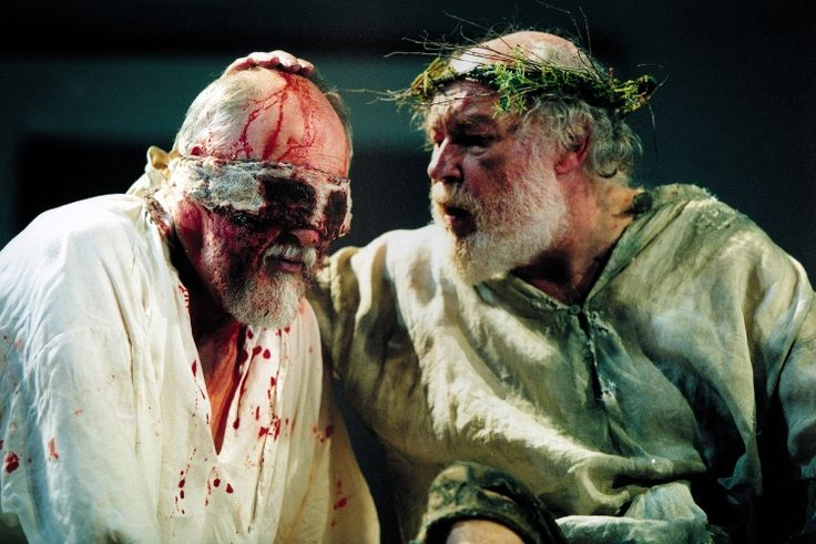 a comparison between king lear and oedipus essay Sophocles' oedipus rex and william shakespeare's the tragedy of king lear  one of the key themes in both shakespeare's the tragedy of king lear.