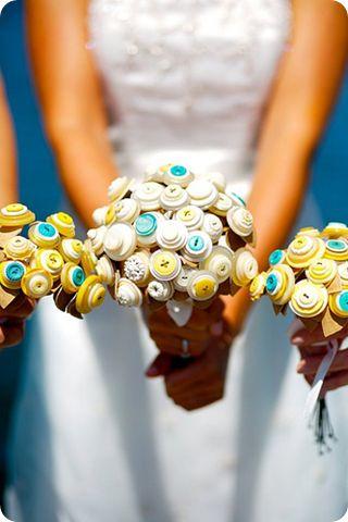 Button Flower Bouquet --stinkin love this idea!