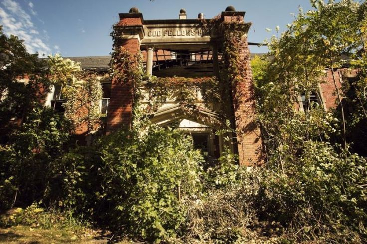 Belvoir Winery, Liberty, Missouri - has served as an orphanage, poor home, school, old folks home and a hospital, and has a long history of paranormal activity. Activity includes disembodied voices, disembodied footfalls, apparitions, shadow people, doors that open and close on their own and physical contact.