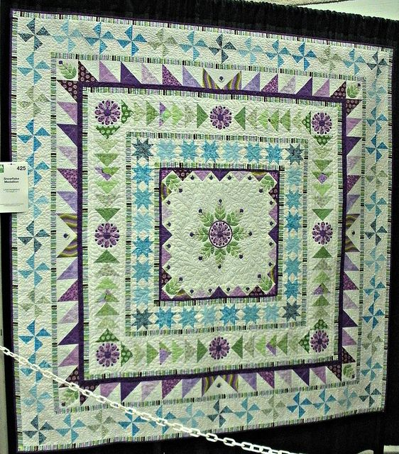 Linda's Snowflake Medallion Quilt by DSMMQG, via Flickr...I would LOVE to have this...beautiful colors and work.