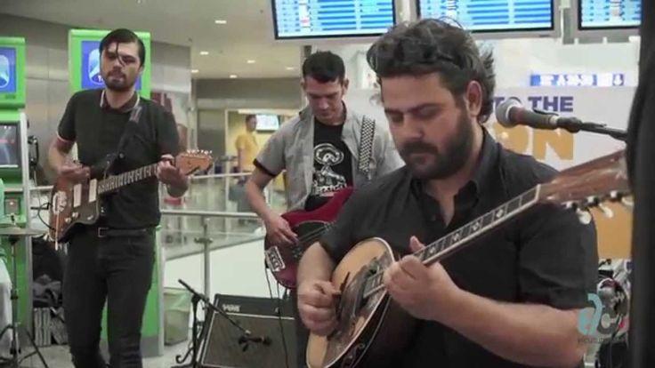 ι Imam Baildi εμφανίστηκαν την Πέμπτη 29 Μαΐου 2014 στο Διεθνή Αερολιμένα Αθηνών και «απογείωσαν» τη διάθεση με vintage remix και πολλές μουσικές ανατροπές. Περισσότερες πληροφορίες: http://www.elculture.gr/music/imam-baildi-fly-me-to-the-moon-855820 #music #art #culture