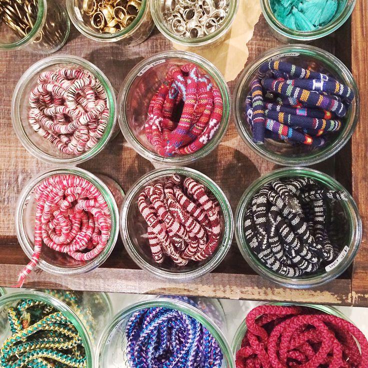Nieuw koord in gave prints om stoere armbanden van te maken. #koord #tribal #boho #navajo #print #kralen #sieraden #zelf maken #DIY #armbanden #amsterdam #utrecht