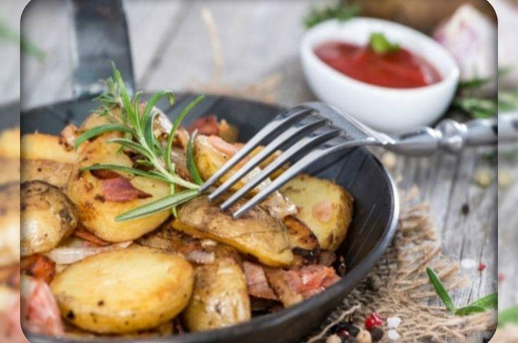 Warm potato salad with bacon. Теплый картофельный салат с беконом. Recipes with photos.
