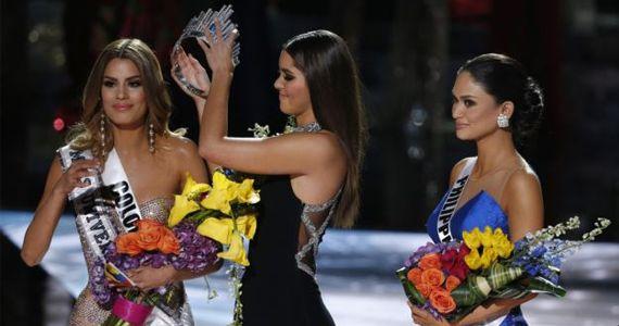 Error enorme en la coronación de Miss Universo 2015