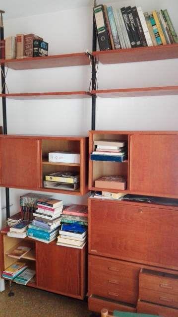 Libreria svedese d'epoca in teak