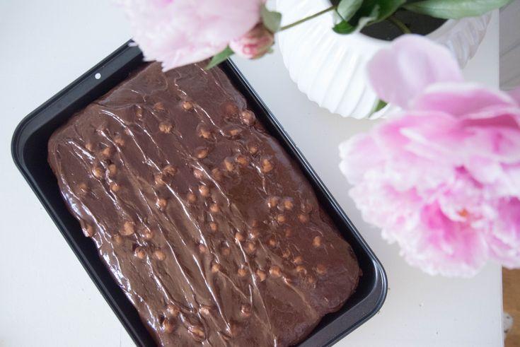 Anne Brith - Sjokolade kake og krem med Toffee sjokolade nam.