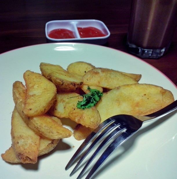 Potato wicis.. Mandailing cafe, klampis..