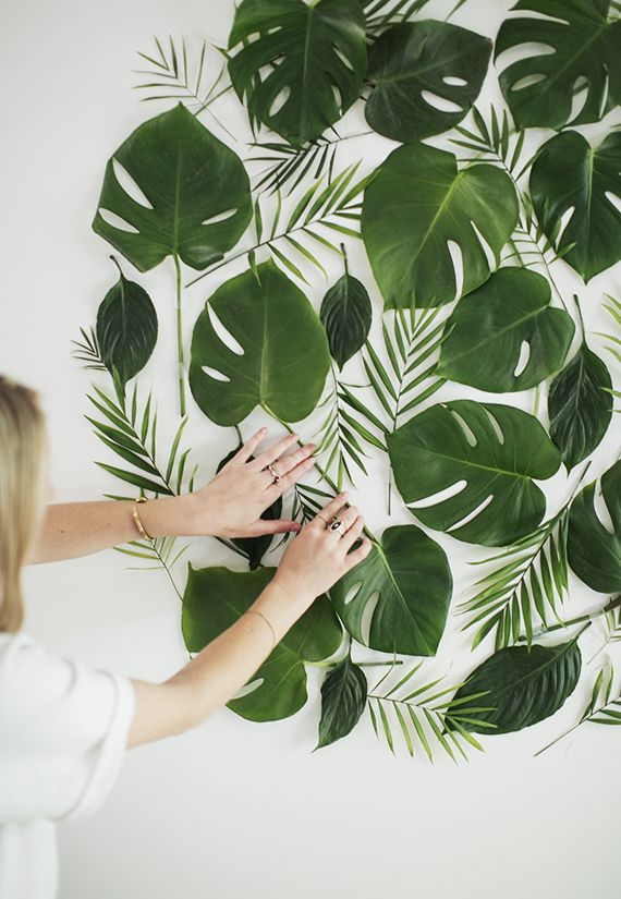 NOVO TROPICAL: USANDO OS ELEMENTOS EM SI FOTOGRAFADOS diy leaf backdrop | almost makes perfect