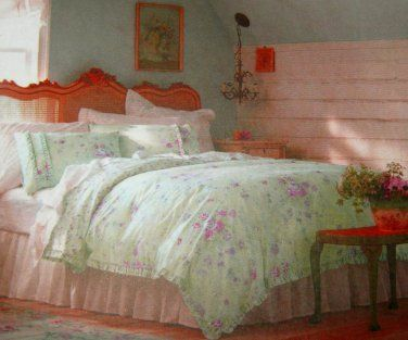 this king size cover 3 piece set is from rachel simply shabby chic collection the pattern is bramble rose in a pastel sh