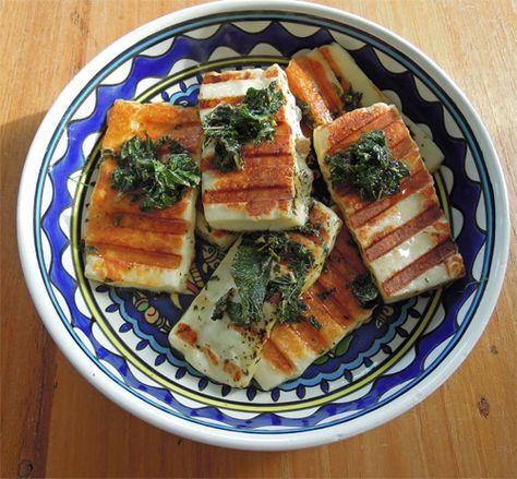 Vegetarische barbecue: pakketjes van halloumi