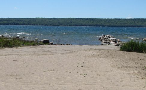 Welcome to Summer Bloom Cottage - cottage rental all year round, located on Manitoulin Island, Ontario - (905) 971-6442