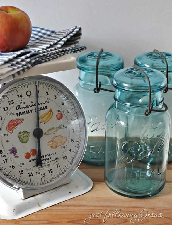 Love the vintage scale!   I love Mason jars!   Pinterest ...