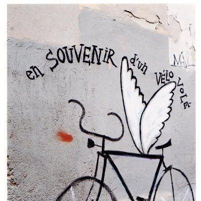 En souvenir d'un vélo volé:    14 juillet 2000 à figuerolles  dessin Bertrant Lecointre photo Marie Couchinho