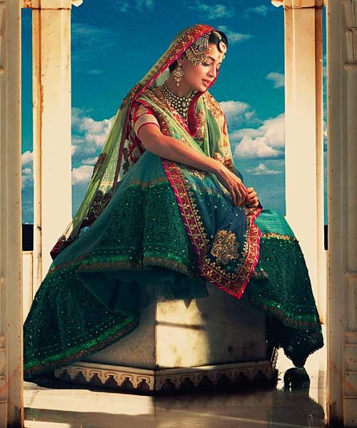 Bollywood, Tollywood & Más: Dia Mirza Harper's Bazaar Pakeezah's Meena Kumari Tarun Vishwa photography