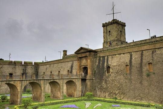 Montjuic sur les hauteurs de Barcelone - Châteaux d'Espagne - L'Internaute Voyager