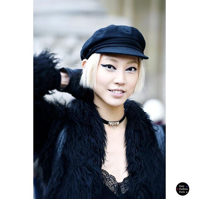 Miss Soo Joo - At Chanel - PFW  by Fred - Easy Fashion  @soojmooj #Soojoo #EasyFashion #instamode #insfashion #instastyle #ootd #parismode #parisstyle #parisienne #streestyle #streetfashion #streetmode #look #mode #moda #nofilter #catchatrend @lorealparisofficial