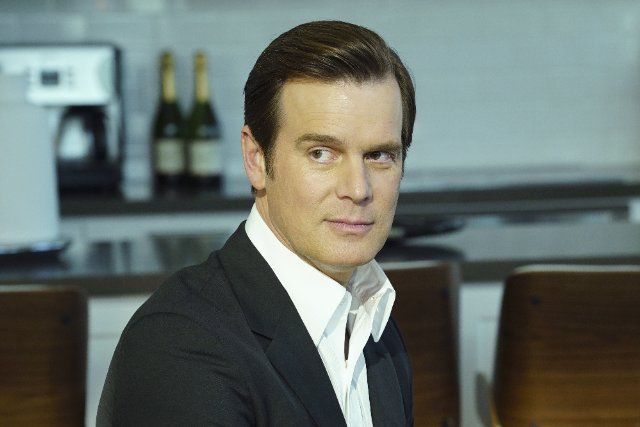 Pictures & Photos of Peter Krause - IMDb