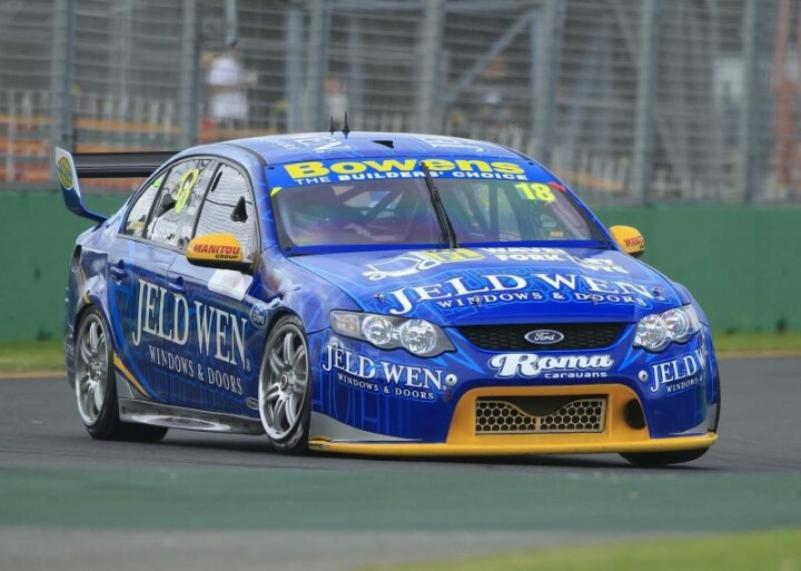 V8 Supercar Ford Falcon