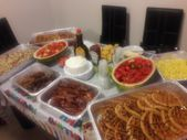 Mar 20, 2020 – Family waffle brunch Homemade Waffles, bacon, sausage, potato, fruit salad with … Familienwaffelbrunch …