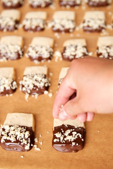 chocolate dipped macadamia shortbread | C is for Cookie | Pinterest