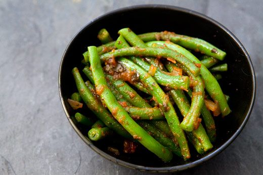 Green Beans and Salsa: Simplyrecipes With, Provencal Recipes, Salsa Photos, Green Beans Recipes, Latin Twists, Salsa Recipes, Preparation Green, Simply Recipes, Green Bean Recipes