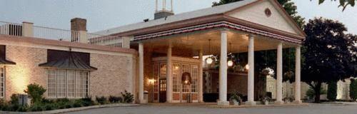 Hotel Carlisle & Embers Convention Center - 3 Star #Hotel - $100 - #Hotels #UnitedStatesofAmerica #Carlisle http://www.justigo.com/hotels/united-states-of-america/carlisle/carlisle-embers-convention-center_109952.html
