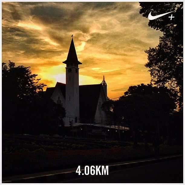 The Paulus Church, Menteng Jakarta. #nikeplus #myrun #afternoonrun #xmas #sunset #church #gereja #vintage #oldbuilding #yellow #yellowsky #silhouette #menteng #jakarta #indonesia