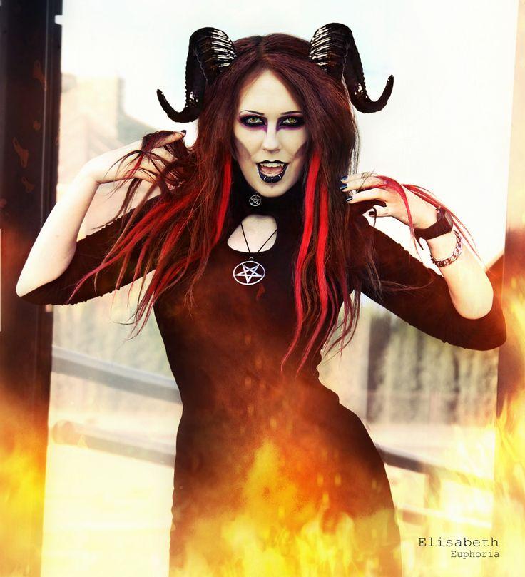 Devil Girl, Elisabeth Euphoria