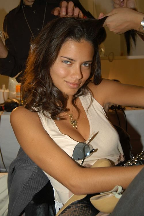 "Adriana Lima - no makeup - ""on the face"" is  natural beauty:"