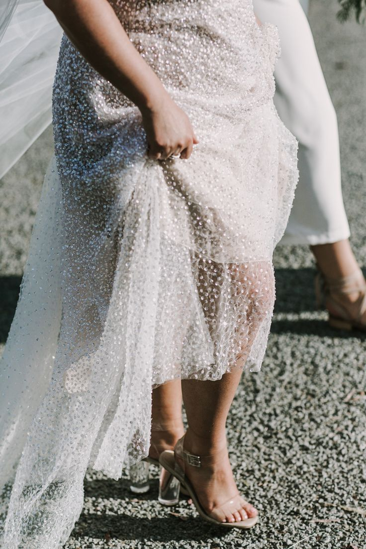Anna Campbell #RealBride Jess sparkling in the sequin Sydney Dress from the Ceremony Collection | Photo by @anitrawellsphoto | #sequindress #modernbridal #modernweddingdress #coolweddingdress #coolbride #sparklyweddingdress