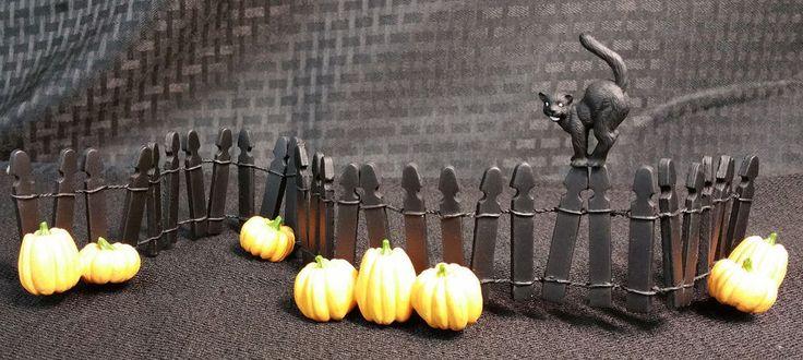 """Department 56 Halloween Village Accessories """"Village Halloween Fence"""" #56.52702"""