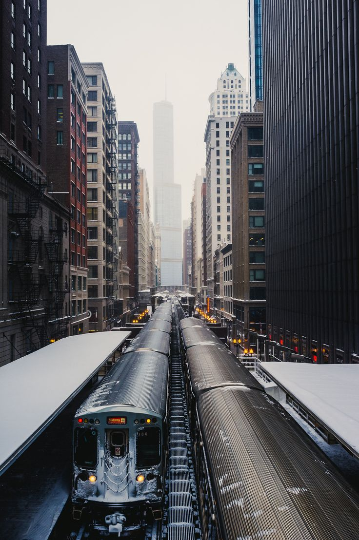 train dans une ville
